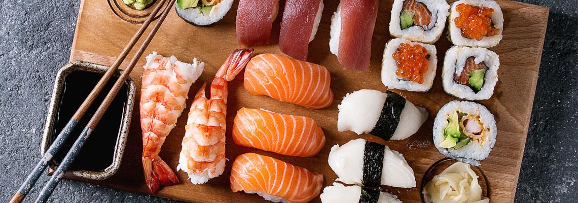 La cuisine Nikkei et des sushi